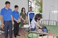 Áo xanh tình nguyện của tuổi trẻ Hà Tĩnh làm đẹp cộng đồng