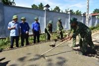 Tỉnh đoàn Hà Tĩnh đẩy mạnh các hoạt động đỡ đầu, hỗ trợ xã Hương Long xây dựng nông thôn mới